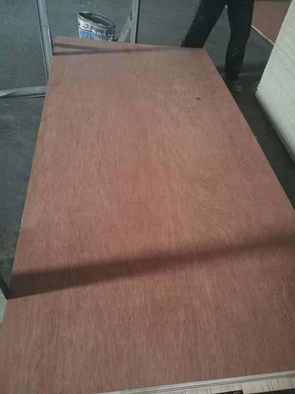 Waterproof Hot Pressed Commercial Grade Plywood For Studing Room Decoration