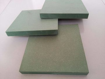 18mm Green Core Dewan MDF Waterproof Untuk Dekorasi Furniture 750-850 Kg / M3